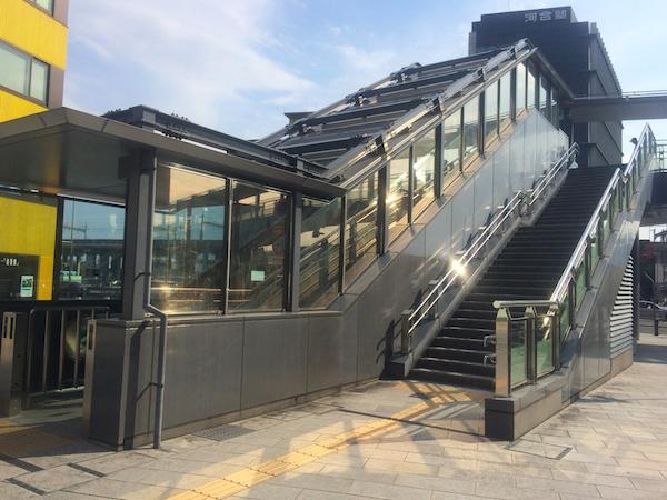 新岐阜駅歩道橋昇降口